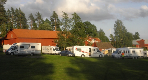 Många husbilar på Upperudslogen