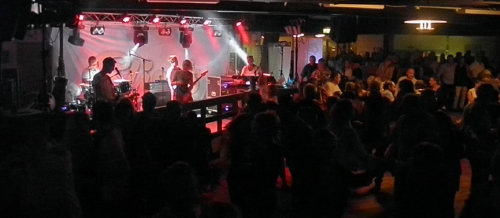 Elisas fyllde dansgolvet i Rotundan