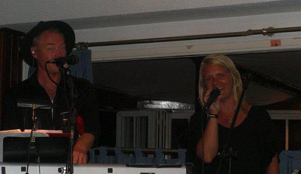 Kenrix spelar live på Teneriffa