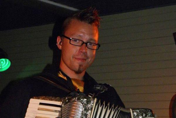 Daniel - Saxofon, Klaviatur, Dragspel & Kör