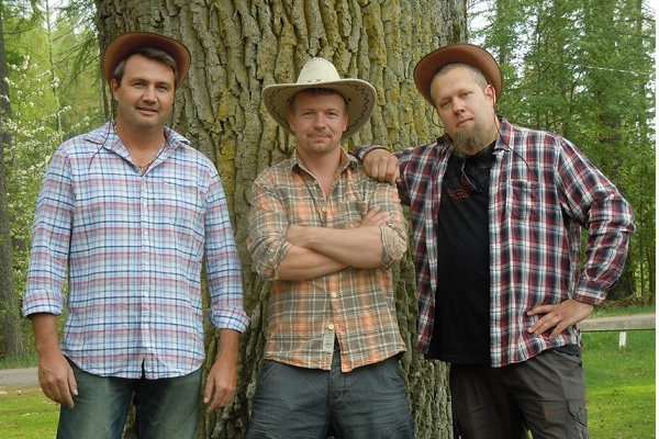Fredahlz utökas ibland till en trio