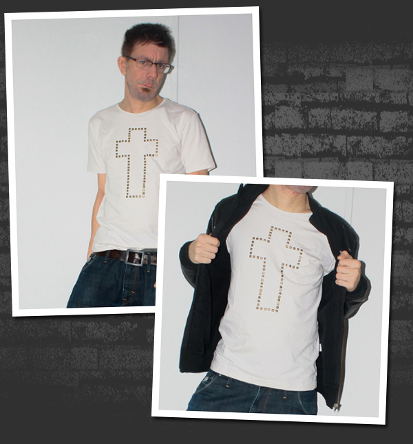 Tuff t-shirt med ett kors som utgörs av stenar