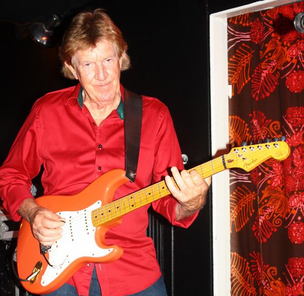KG med sitt gyllene gitarrspel