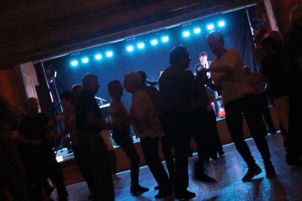 Dansen i gång