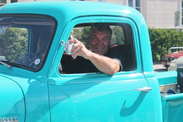 Chaffisen med sin snygga bil