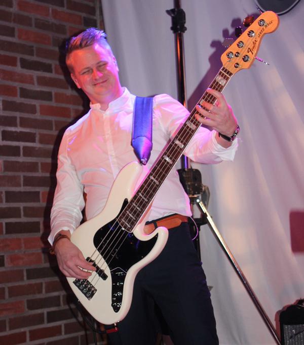 Ante - En glad basist