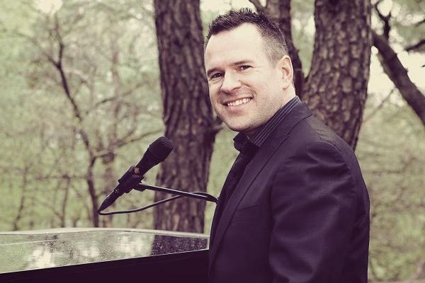 Tony Westland blir sångare i Expanders